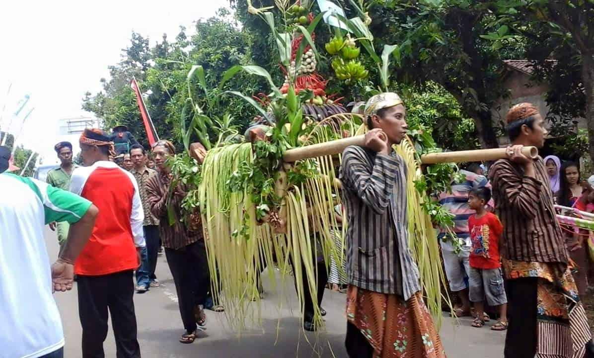Festival Jondang Desa Kawak Tradisi Hantaran Pengantin