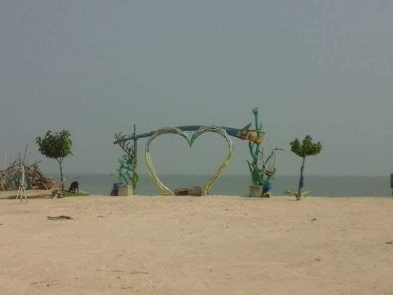 Pantai seribu ranting pantai yang lagi hits di kota jepara