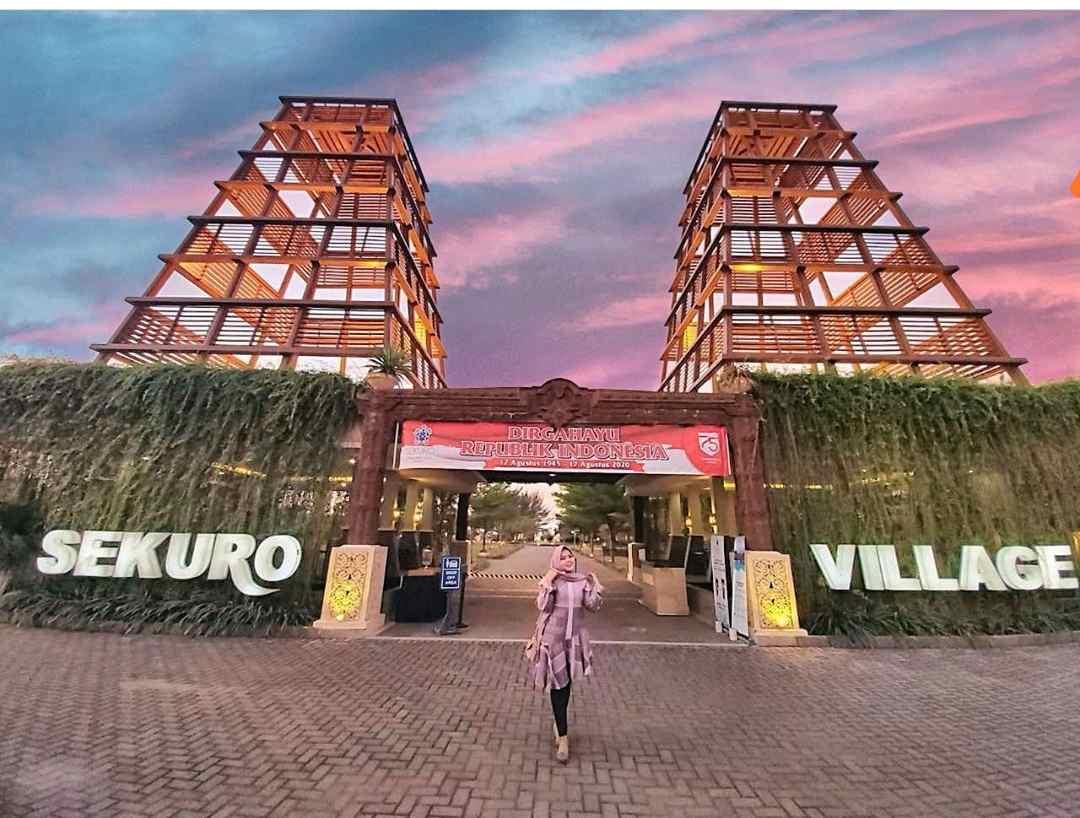 Sekuro Village Beach Resort Jepara Hotel di Pinggir Pantai