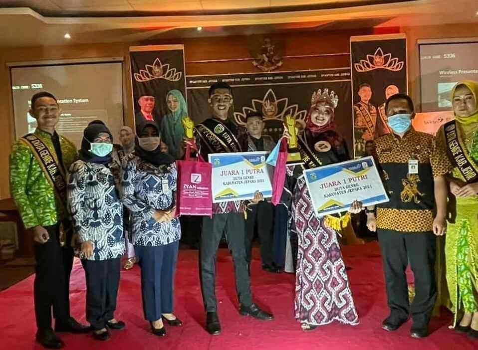 Putri Rania Takia Anjani dan Amrul Fawas terpilih sebagai Juara 1 Duta GenRe kabupaten Jepara 2021