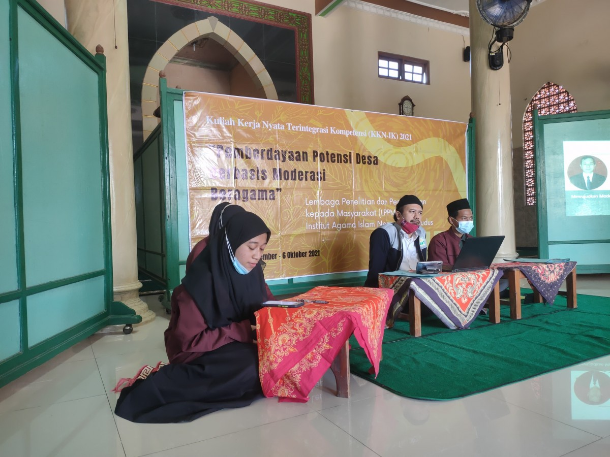 KKN IK IAIN Kudus Gelar Seminar Moderasi Beragama